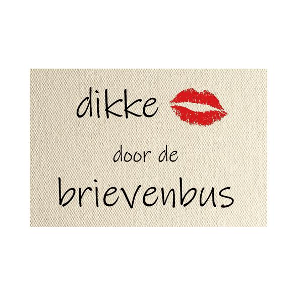 wenskaart Dikke kus door de brievenbus